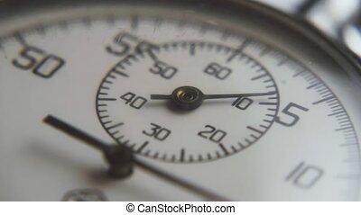 retro, flèches, en mouvement, aslant, chiffres, noir, regarder, chromometer, mettre