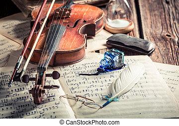 retro, folhas, e, violino, com, tinta, e, pena