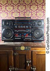 retro ghettoblaster - a fantastic looking retro ghetto...