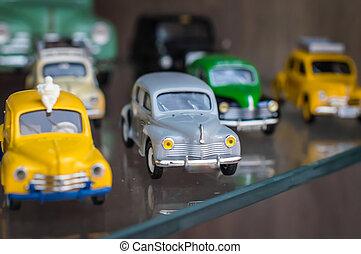 retro, kleurrijke, sportende, de auto's van het stuk speelgoed