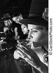 retro, kobieta, picie, martini.