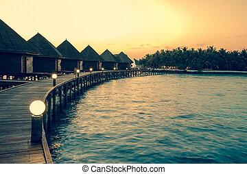retro, maldives., kupy, woda, domy, skutek