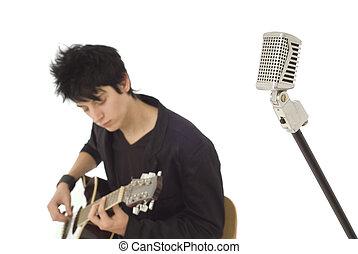 retro, mikrophon, mit, fokus, gitarrist