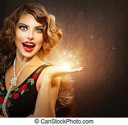 retro, mujer, con, feriado, magia, regalo, en, ella, mano
