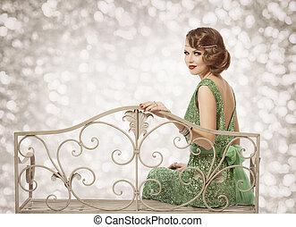 retro, ritratto donna, bello, signora, con, onda, acconciatura, seduta