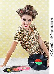 retro stijl, vrouw, met, vinyl legt vast