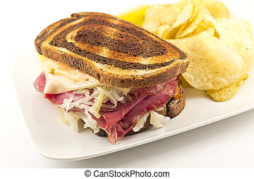 Reuben Chips Pickle - Famous New York Reuben corned beef ...