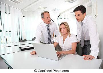 reunião negócio, frente, computador laptop