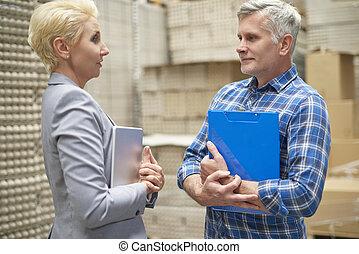 reunión, de, director, y, trabajador manual