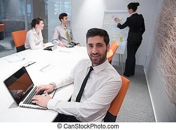 reunión, joven, empresa / negocio, hombre