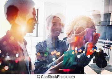 reussite, association, travail, ensemble., équipe, heureux, gens, concept, collaboration