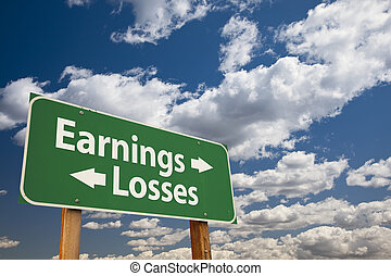 revenus, pertes, vert, panneaux signalisations, sur, nuages