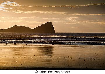 Rhossili beach and Worms Head
