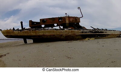 Ria Formosa - Old Boat-TimeLapse - Pan Timelapse of Ria...