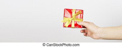 ribbon., peu, box., coup, tenue, cadeau, haut, isolated., foyer peu profond, jaune, main, champ, profondeur, femme, femelle transmet, emballé, fin, petit