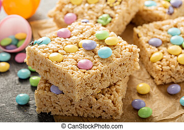 Rice krispies treats with candy - Rice krispies treats with ...
