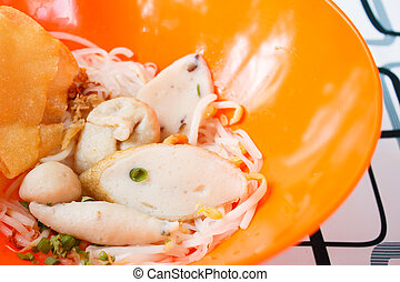 rice noodles  with fish ball