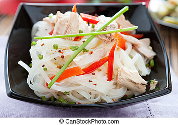 rice noodles with peppers and tuna