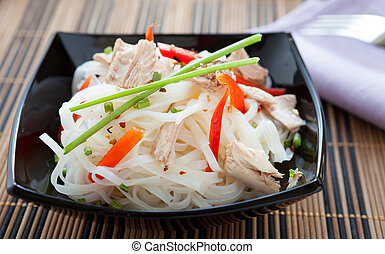 rice noodles with red pepper and tuna