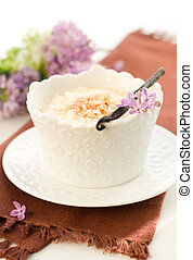 Rice pudding with vanilla and cinnamon.