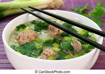 Rice soup with meat balls