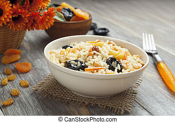 Rice with dried fruit