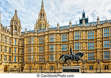 Richard I statue outside Palace of Westminster