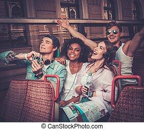 ridande, vänner, multinationell, buss, sightseeing