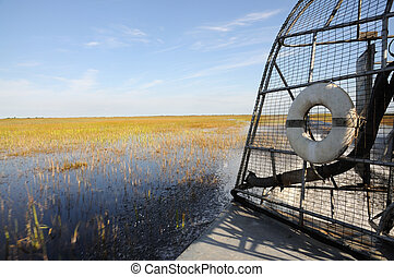 Ride with an airboat in the Everglades, Florida