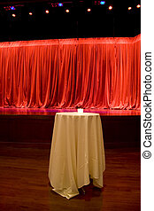 rideau, étape, arrière-plan rouge, table
