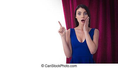 rideaux, sur, femme, théâtre, joli, show., isolé, indique, quelque chose, fond, devant, blanc rouge