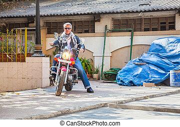 Rider industial trendy red bike