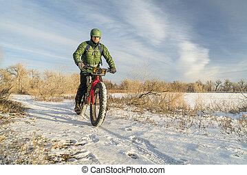 riding fat bike in winter