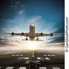 riesig, zwei, stockwerke, gewerblich, düsenverkehrsflugzeug, nehmen, von, runway.