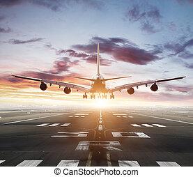 riesig, zwei, stockwerke, gewerblich, düsenverkehrsflugzeug, nehmen, von, startbahn