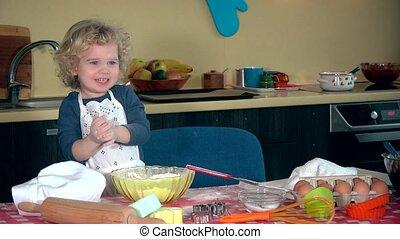 rigolote, désordre, mains, flour., rire, enfant, émotif,...