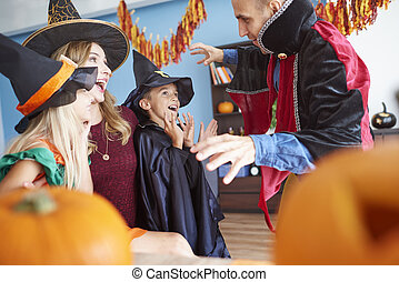 rigolote, jeu, halloween, famille