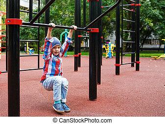 rigolote, petit garçon, dehors, ensoleillé, jeu, day., été, mignon, playground., montée