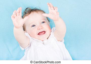 rigolote, peu, bébé, robe blanche, girl