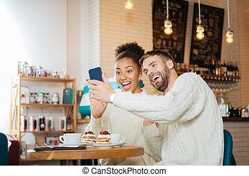 rigolote, rayonner, selfie, jeune, ensemble, confection, couple
