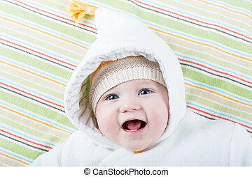 rigolote, veste, chaud, rire, bébé, chapeau, heureux