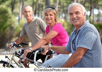 rijden, fiets, van middelbare leeftijd, mensen