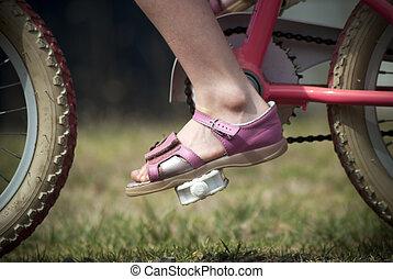 rijdende fiets, jong kind