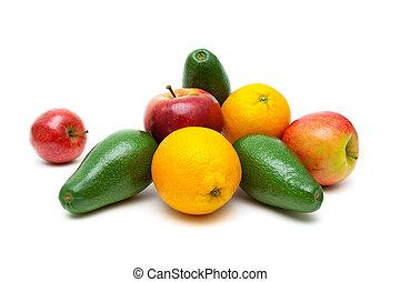 rijp, appeltjes , sinaasappel, en, avocado's, op, een, witte achtergrond