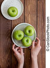 rijp, groen appel, wooden table, achtergrond, hoogste mening