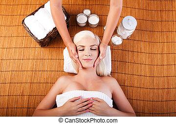 rilassamento, viziando, massaggio facciale