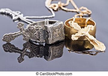 ring, krzyże, srebro, złoty