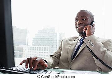 ringa, medan, dator, affärsman, användande