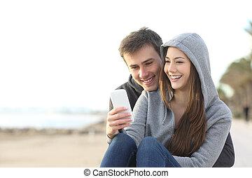 ringa, par, teenagers, smart, användande