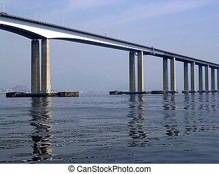 Rio-Niterói Bridge - Bridge tha connects Rio de Janeiro do...